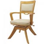 座面が360度回転して、前後にもスライドするピタットチェアEXは介護者の為の介護椅子です