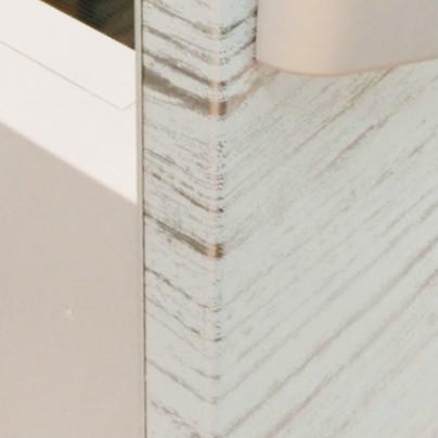 木目調の柄のステンレス扉