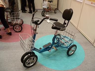 ユニバーサルデザイン車椅子 クークルS見てきました~