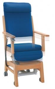 電動起立補助機能付き椅子 MELODY(メロディー)AC-10LHが立ち上がった様子