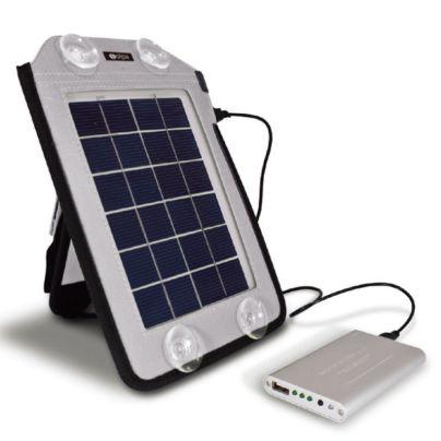 ソーラーパネルと充電器のセット