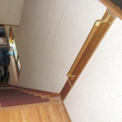 階段の手すりを取付ました