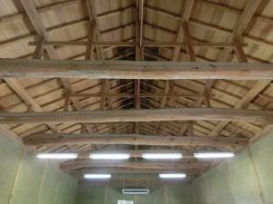 播磨屋本店・生野総本店を内側から天井を見たところ