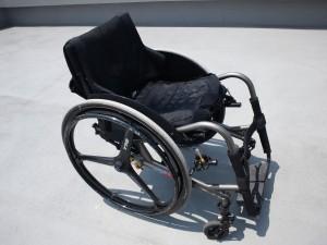 修理前のわが車椅子を斜め上から撮影した写真