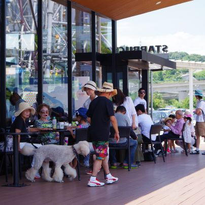 神戸鳴門自動車道の淡路サービスエリア下り側のスターバックスコーヒー