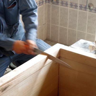 古い木風呂を解体します