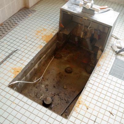 古い木風呂は、すっかりなくなってしまいました