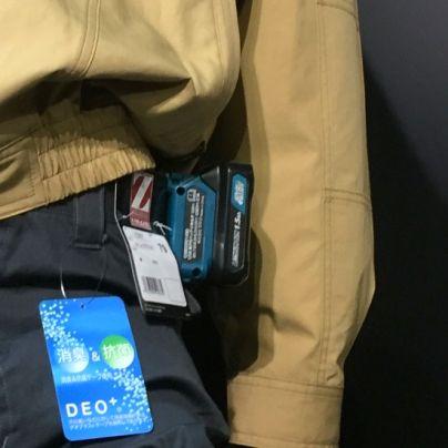 ファン付きユニフォームはマキタの工具用バッテリーをそのまま使います