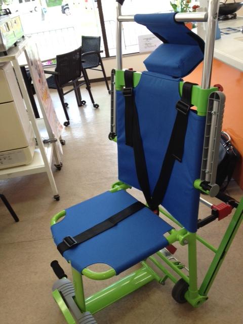 災害時・緊急時の避難用車椅子エクセルチェアー